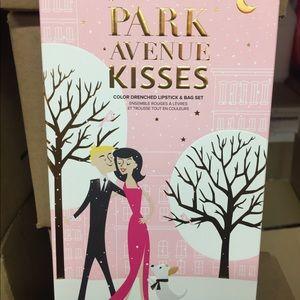 TOO FACED PARK AVENUE KISSES SET